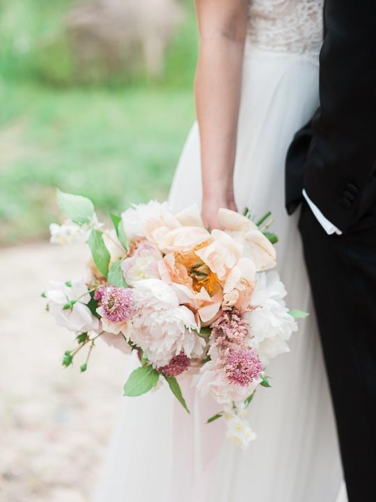 bukiet ślubny z piwonii poznań