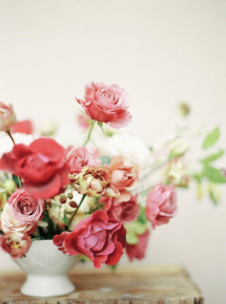 Hotel Navigator, Zbąszyń, wesele, dekoracje ślubne, kompozycje na stół różowe