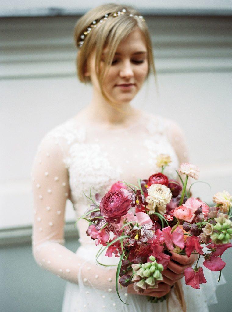 bukiet na ślub wiosną, kolorowy bukiet ślubny