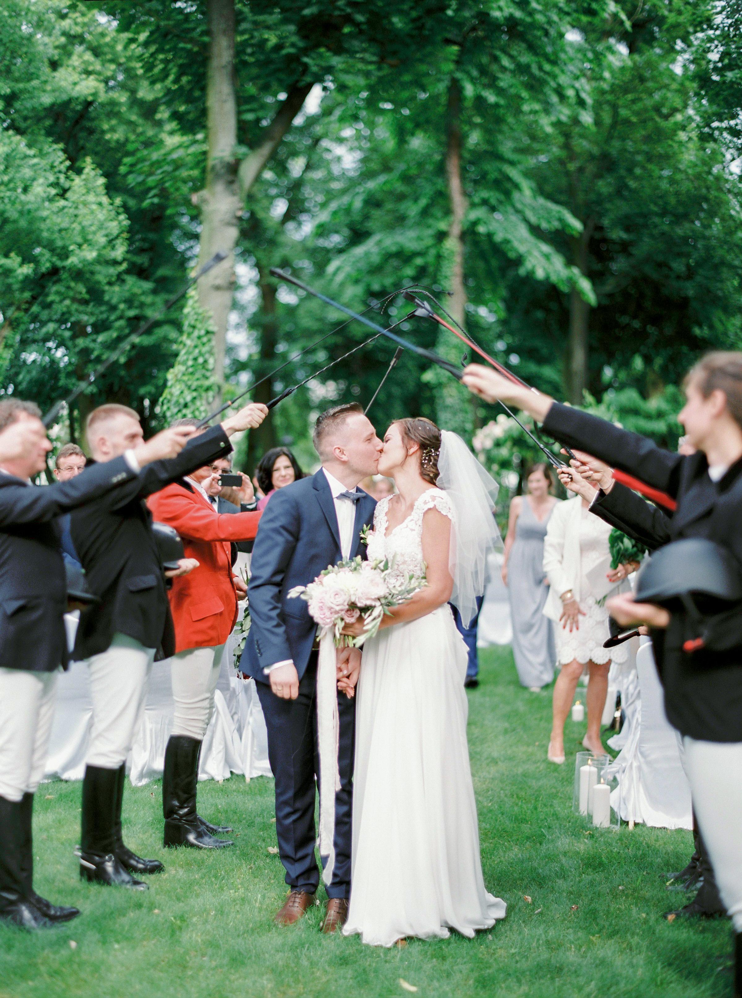 ślub w plenerze w pałacu balcerowo