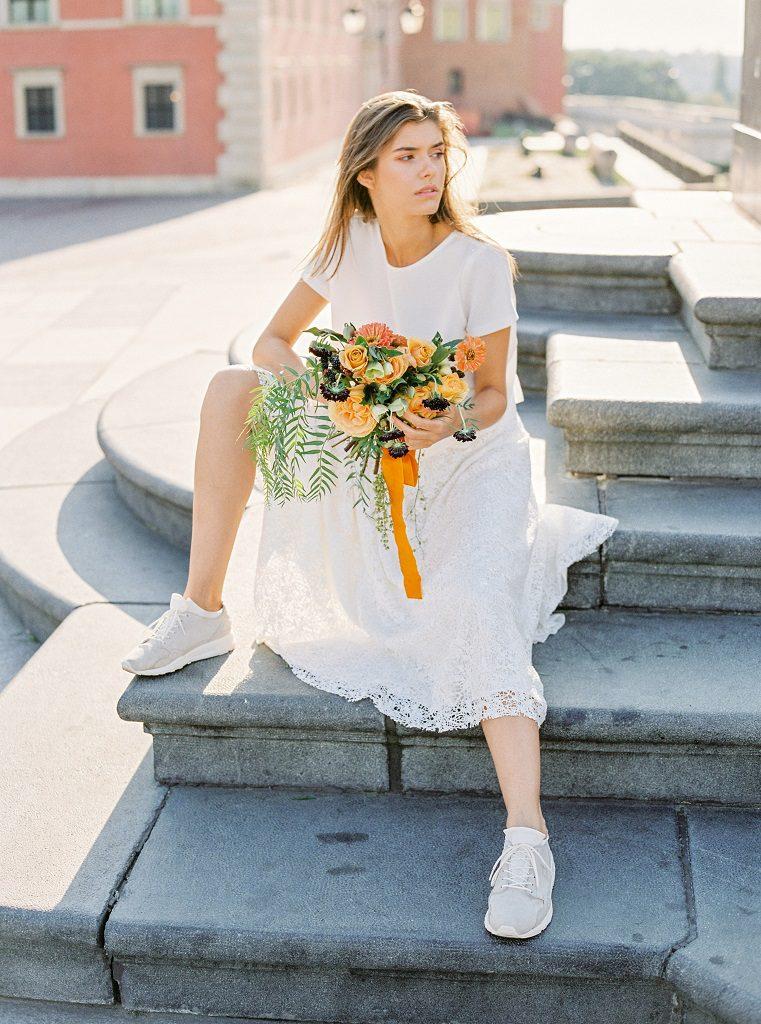 Minimalistyczne kwiaty na ślub, minimalizm ślubny, minimalistyczna florystyka ślubna, dekoracje ślubne Warszawa