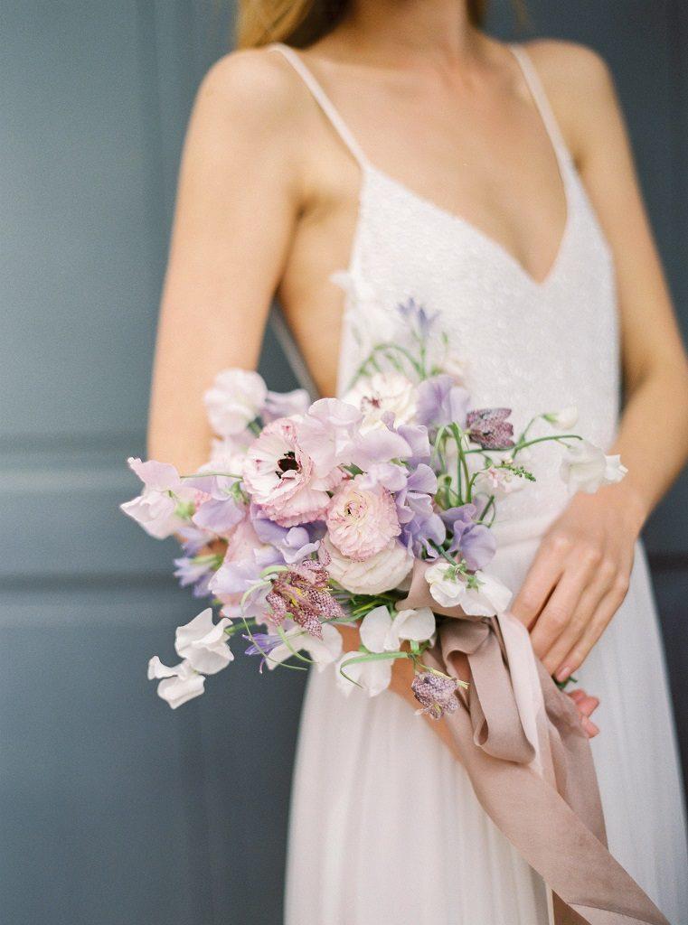 klasyczny bukiet ślubny w stylu Meghan Markle